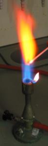 کلرید استرانسیم (رنگ شعله: قرمز)